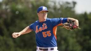 Mets pitcher Noah Syndergaard throws live batting practice