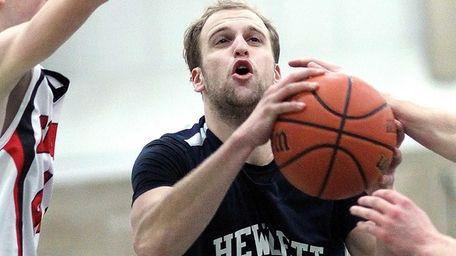 Hewlett's Avery Feldman, who scored 30 points in