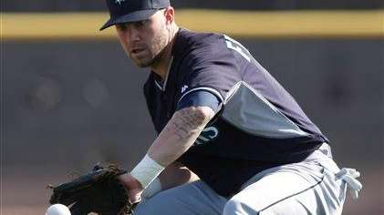 Seattle Mariners second baseman Nick Franklin (6) takes