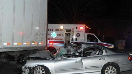 The driver of a 2002 Hyundai Sonata fled