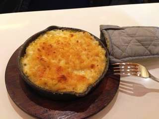Classic all-American mac and cheese at Mac &