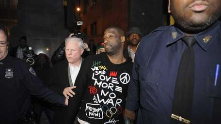 Knicks point guard Raymond Felton exits Manhattan Criminal