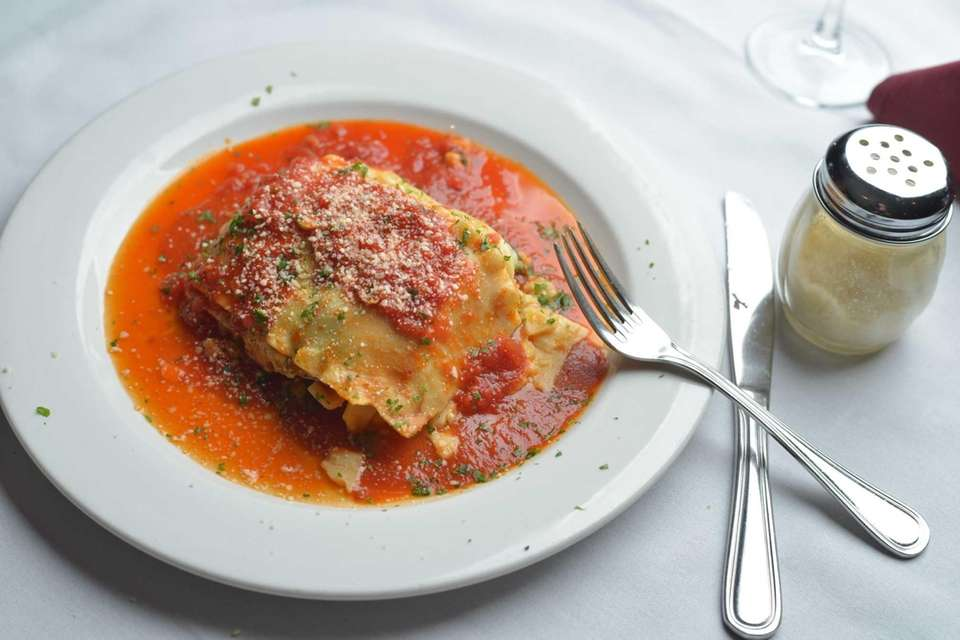 Sal's Ristorante, Smithtown: The vegetable lasagna here is