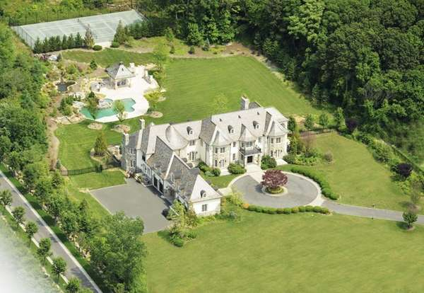 This 17-room Brookville estate that is on the