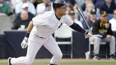 Yankees shortstop Derek Jeter grounds out during the