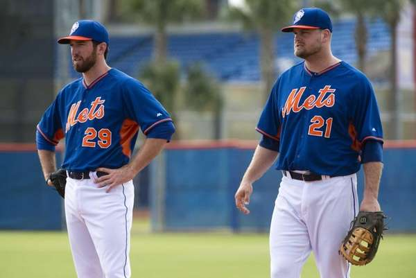 Ike Davis, left, and Lucas Duda during Mets