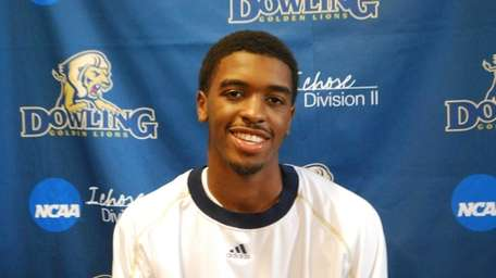 Darien Davis of Dowling College.