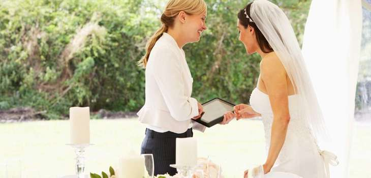"Looking for a ""Social Media Wedding Concierge""? These"