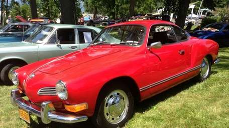 1971 Volkswagen Karmann Ghia owned by George Nossa.