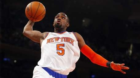 Knicks rookie Tim Hardaway Jr. goes to the