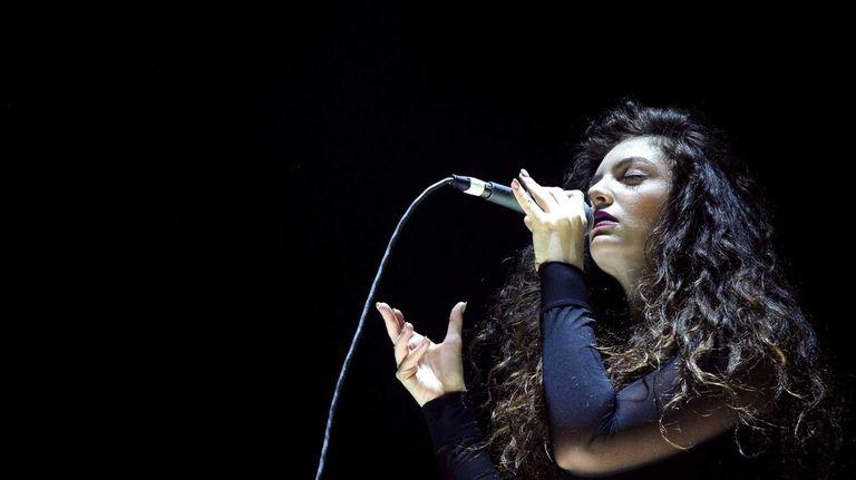 Lorde performs on December 8, 2013 in Los
