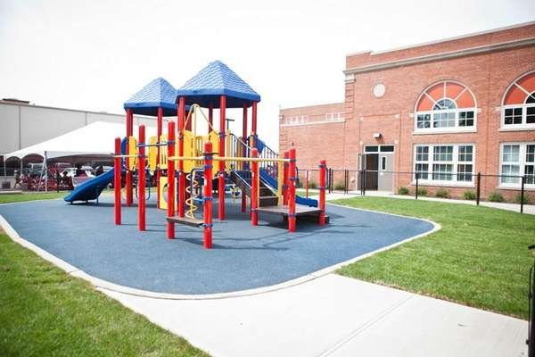 Hempstead's Prospect School holds a ribbon-cutting ceremony for