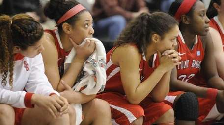 Stony Brook players react to a 70-46 loss