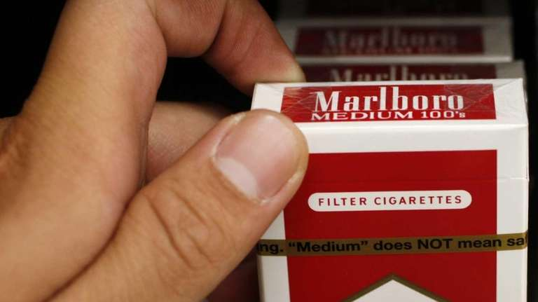 Bill would raise age for tobacco purchases to 21 in Nassau