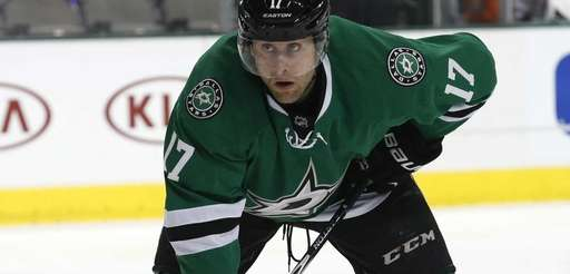 Dallas Stars center Rich Peverley lines up for