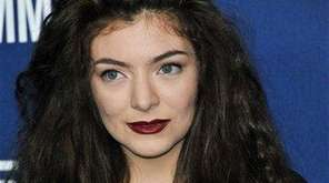 Lorde is collaborating with MAC Cosmetics to release
