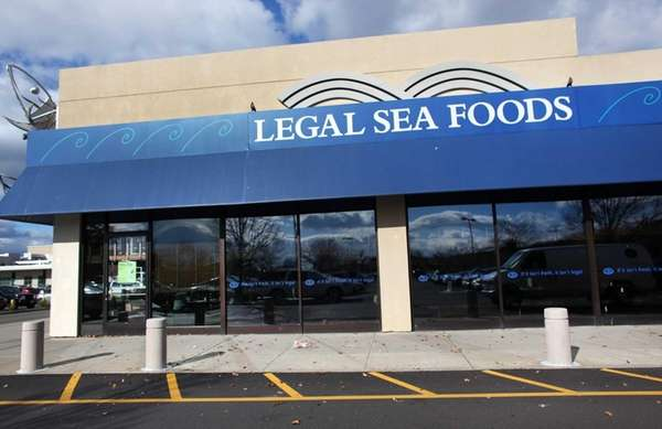 Legal Sea Foods at the Walt Whitman Shops