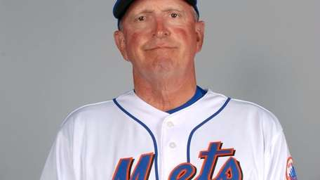 Mets pitching coach Dan Warthen.