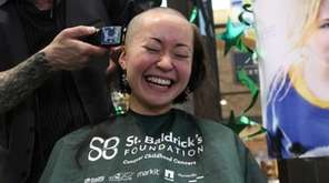 Inae Rurup gets her head shaved by Vincent