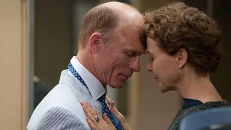 Ed Harris and Annette Bening in