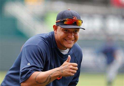 Detroit Tigers third baseman Miguel Cabrera gives a