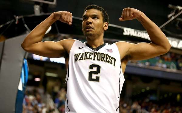 Devin Thomas of the Wake Forest Demon Deacons