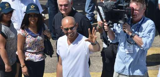 Former Yankees pitcher and Panamanian Mariano Rivera waves