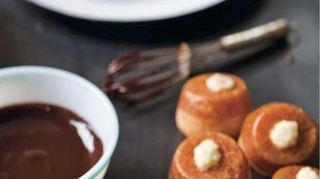 Classic Cream Puffs from