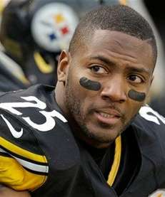Pittsburgh Steelers free safety Ryan Clark (25) sits