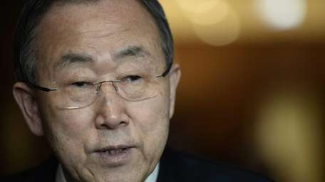 United Nations Secretary General Ban ki-moon speaks with