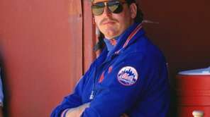 The Mets' Frank Viola looks on during a