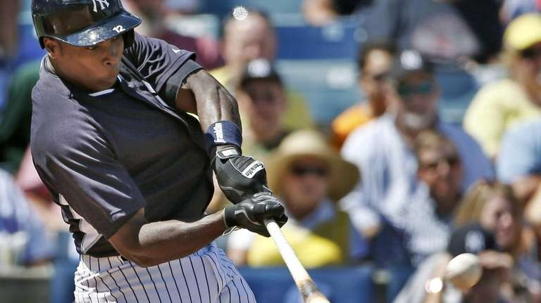 Alfonso Soriano hits a fourth-inning, two-run home run