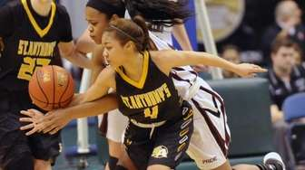 St. Anthony's Tyla Parham steals the ball from