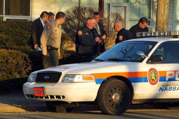 Nassau police investigate the death of a man