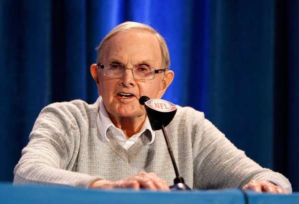 Ralph Wilson, owner of the Buffalo Bills, answers