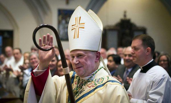 Andrzej Jerzy Sglejszewski blesses the church after being