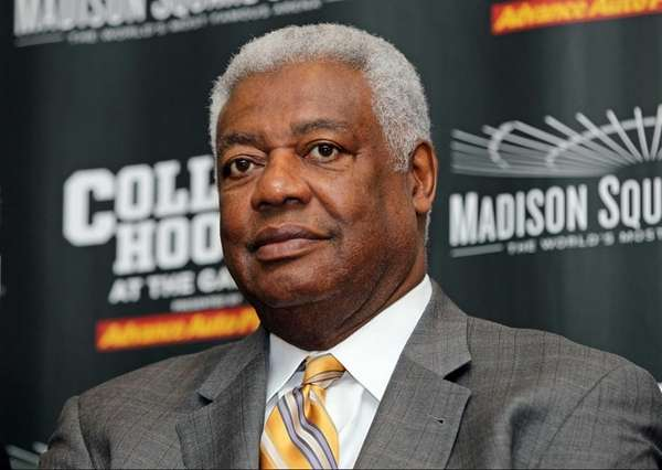 Oscar Robertson, former Cincinnati player, talks to the