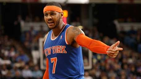 Carmelo Anthony of the Knicks complains about a