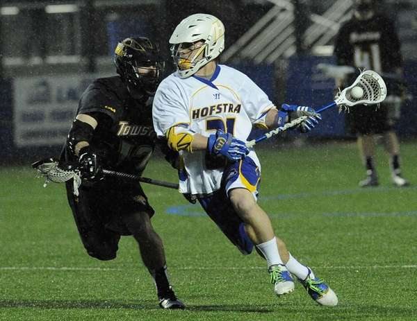 Hofstra midfielder Korey Hendrickson controls the ball against