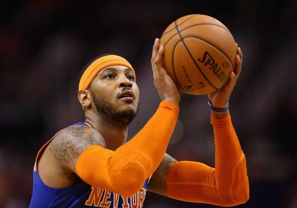 Carmelo Anthony shoots a free throw shot against