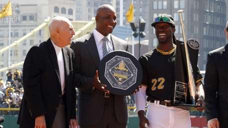 Former Pirate MVPs Dick Groat and Barry Bonds