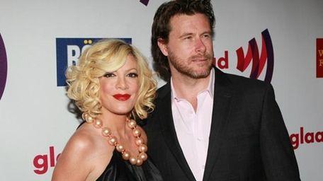 Tori Spelling and husband Dean McDermott.