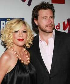 Tori Spelling and husband Dean McDermott.
