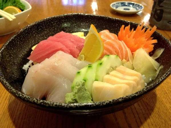 Chirashi is one of many classic Japanese sushi