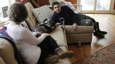 Jeff Bauman, who lost both his legs above