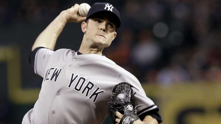 Yankees closer David Robertson delivers a pitch against