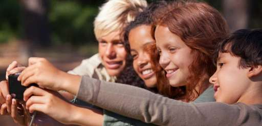 "Could ""selfies"" spread lice among older kids?"