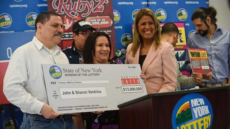 The New York Lottery's Yolanda Vega with winners