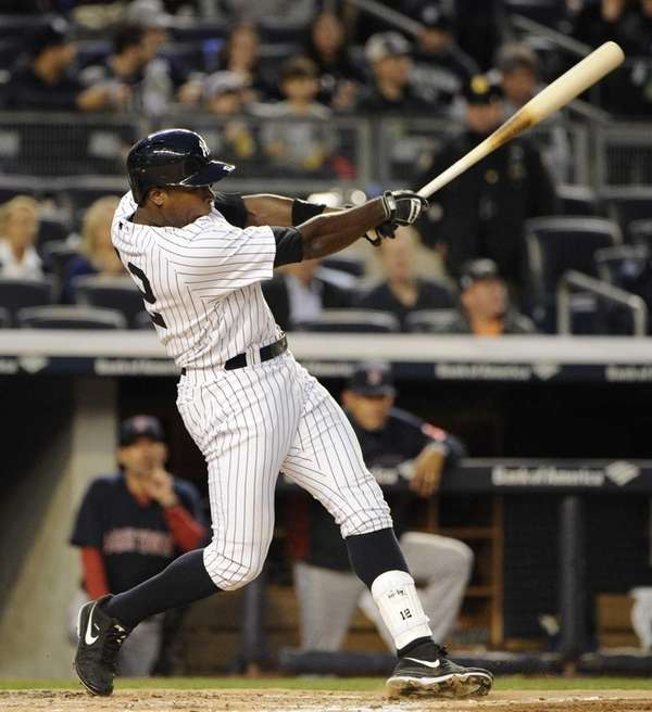 Alfonso Soriano hits a solo home run against