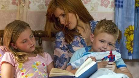 From left, Lane Styles, Kelly Reilly and Connor